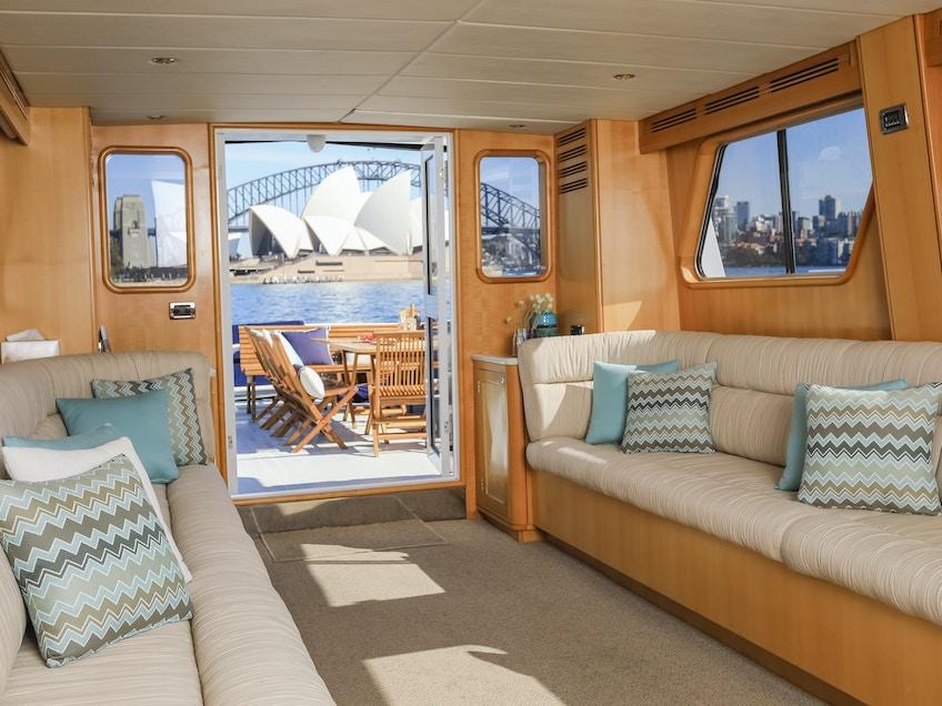 Motor Yacht Charters Sydney Salty Dingo 2018 47572 CRG47572