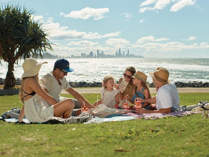 Gold Coast boat hire Burleigh Heads